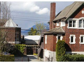"Photo 6: # 213 2010 W 8TH AV in Vancouver: Kitsilano Condo for sale in ""AUGUSTINE GARDENS"" (Vancouver West)  : MLS®# V880530"