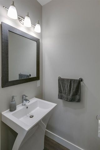 """Photo 12: 38351 SUMMIT'S VIEW Drive in Squamish: Downtown SQ Townhouse for sale in """"NATURE'S GATE"""" : MLS®# R2219741"""
