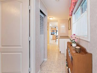 "Photo 13: 81 2270 196 Street in Langley: Brookswood Langley Manufactured Home for sale in ""Pineridge Park"" : MLS®# R2224829"