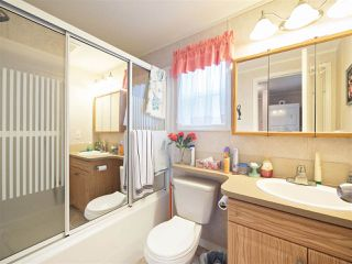 "Photo 7: 81 2270 196 Street in Langley: Brookswood Langley Manufactured Home for sale in ""Pineridge Park"" : MLS®# R2224829"