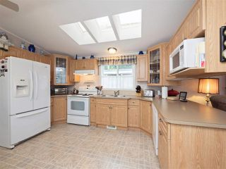 "Photo 4: 81 2270 196 Street in Langley: Brookswood Langley Manufactured Home for sale in ""Pineridge Park"" : MLS®# R2224829"