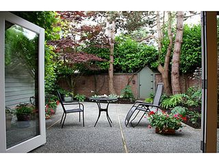 Photo 2: 4560 BELMONT Ave in Vancouver West: Home for sale : MLS®# V1127248