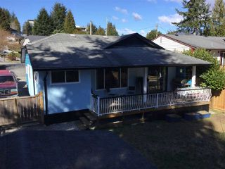 Main Photo: 5803 ANCHOR Road in Sechelt: Sechelt District House for sale (Sunshine Coast)  : MLS®# R2242489