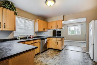 Photo 4: 19014 117A Avenue in Pitt Meadows: Central Meadows House for sale : MLS®# R2255723