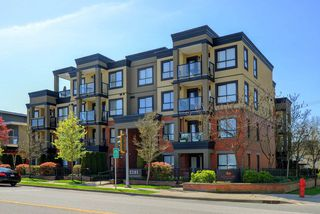 "Photo 1: 107 2191 SHAUGHNESSY Street in Port Coquitlam: Central Pt Coquitlam Condo for sale in ""SIGNATURE"" : MLS®# R2260403"