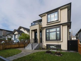 Photo 2: 2761 MCGILL Street in Vancouver: Hastings East House for sale (Vancouver East)  : MLS®# R2266638