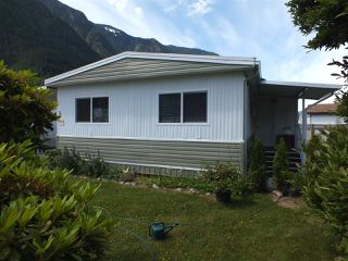 Photo 1: 14 62780 FLOOD HOPE Road in Hope: Hope Center Manufactured Home for sale : MLS®# R2274257