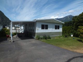 Photo 2: 14 62780 FLOOD HOPE Road in Hope: Hope Center Manufactured Home for sale : MLS®# R2274257