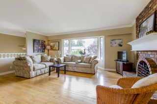 """Photo 3: 837 HEMLOCK Crescent in Port Coquitlam: Lincoln Park PQ House for sale in """"SUN VALLEY"""" : MLS®# R2276084"""
