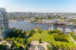 """Photo 12: 2803 1495 RICHARDS Street in Vancouver: Yaletown Condo for sale in """"AZURA II"""" (Vancouver West)  : MLS®# R2292970"""