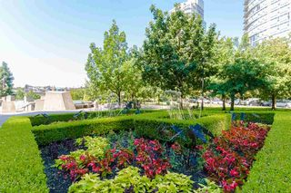 """Photo 16: 2803 1495 RICHARDS Street in Vancouver: Yaletown Condo for sale in """"AZURA II"""" (Vancouver West)  : MLS®# R2292970"""