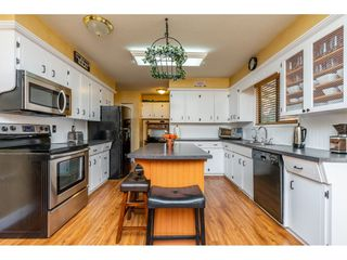 """Photo 3: 32232 PINEVIEW Avenue in Abbotsford: Abbotsford West House for sale in """"Clearbrook"""" : MLS®# R2318220"""