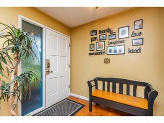 """Photo 2: 32232 PINEVIEW Avenue in Abbotsford: Abbotsford West House for sale in """"Clearbrook"""" : MLS®# R2318220"""