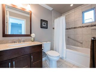 "Photo 17: 14843 MARINE Drive: White Rock Townhouse for sale in ""Marine Court"" (South Surrey White Rock)  : MLS®# R2348568"