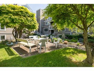 """Photo 19: 14843 MARINE Drive: White Rock Townhouse for sale in """"Marine Court"""" (South Surrey White Rock)  : MLS®# R2348568"""