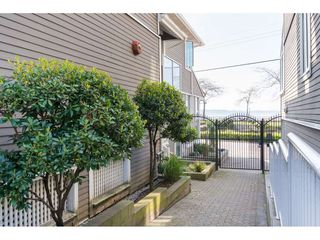 "Photo 20: 14843 MARINE Drive: White Rock Townhouse for sale in ""Marine Court"" (South Surrey White Rock)  : MLS®# R2348568"