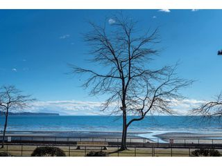 "Photo 2: 14843 MARINE Drive: White Rock Townhouse for sale in ""Marine Court"" (South Surrey White Rock)  : MLS®# R2348568"