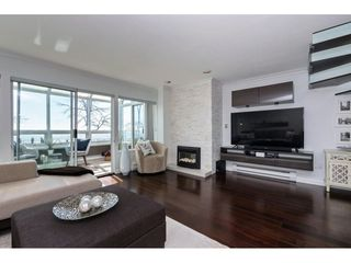 "Photo 3: 14843 MARINE Drive: White Rock Townhouse for sale in ""Marine Court"" (South Surrey White Rock)  : MLS®# R2348568"