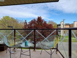 Photo 15: 311 2560 Wark St in VICTORIA: Vi Hillside Condo Apartment for sale (Victoria)  : MLS®# 811579