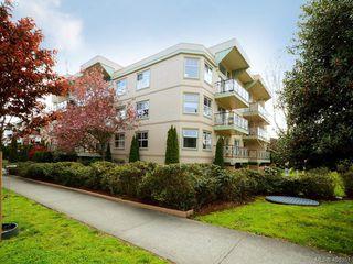 Photo 20: 311 2560 Wark St in VICTORIA: Vi Hillside Condo Apartment for sale (Victoria)  : MLS®# 811579