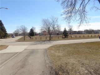Photo 2: 64 Leicester Square in Winnipeg: Jameswood Residential for sale (5F)  : MLS®# 1908706
