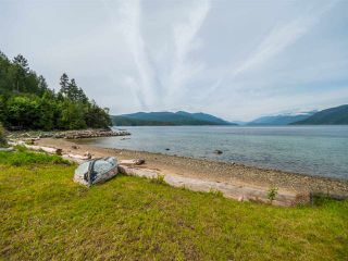 Photo 4: 6028 CORACLE Place in Sechelt: Sechelt District House for sale (Sunshine Coast)  : MLS®# R2368826