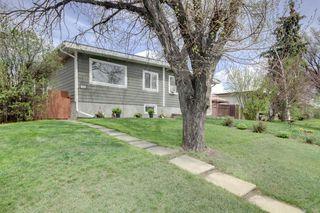 Photo 2: 3605 29A Avenue SE in Calgary: Dover Semi Detached for sale : MLS®# C4244761