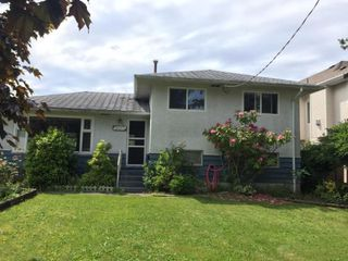 Main Photo: 9317 135 Street in Surrey: Queen Mary Park Surrey House for sale : MLS®# R2371088