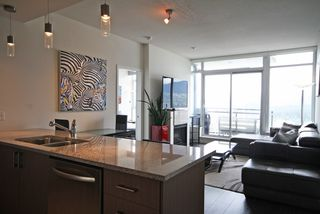 "Photo 3: 3403 1211 MELVILLE Street in Vancouver: Coal Harbour Condo for sale in ""THE RITZ"" (Vancouver West)  : MLS®# R2371691"