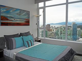 "Photo 7: 3403 1211 MELVILLE Street in Vancouver: Coal Harbour Condo for sale in ""THE RITZ"" (Vancouver West)  : MLS®# R2371691"