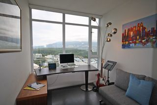 """Photo 8:  in Vancouver: Coal Harbour Condo for sale in """"THE RITZ"""" (Vancouver West)  : MLS®# R2371691"""