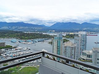 "Photo 1: 3403 1211 MELVILLE Street in Vancouver: Coal Harbour Condo for sale in ""THE RITZ"" (Vancouver West)  : MLS®# R2371691"