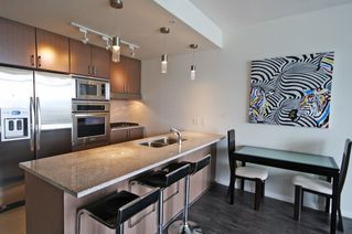 """Photo 5:  in Vancouver: Coal Harbour Condo for sale in """"THE RITZ"""" (Vancouver West)  : MLS®# R2371691"""