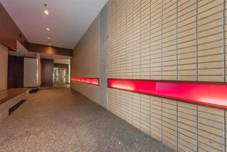 """Photo 17: 801 33 W PENDER Street in Vancouver: Downtown VW Condo for sale in """"33 Living"""" (Vancouver West)  : MLS®# R2373850"""