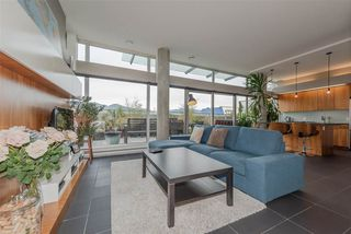 """Photo 3: 801 33 W PENDER Street in Vancouver: Downtown VW Condo for sale in """"33 Living"""" (Vancouver West)  : MLS®# R2373850"""
