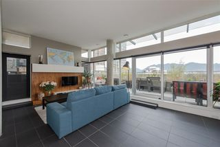 """Photo 4: 801 33 W PENDER Street in Vancouver: Downtown VW Condo for sale in """"33 Living"""" (Vancouver West)  : MLS®# R2373850"""
