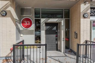"""Photo 2: 801 33 W PENDER Street in Vancouver: Downtown VW Condo for sale in """"33 Living"""" (Vancouver West)  : MLS®# R2373850"""
