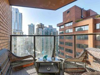 "Photo 12: 1708 1189 HOWE Street in Vancouver: Downtown VW Condo for sale in ""The Genesis"" (Vancouver West)  : MLS®# R2373933"