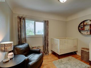 Photo 11: 1670 Howroyd Ave in VICTORIA: SE Mt Tolmie House for sale (Saanich East)  : MLS®# 816362