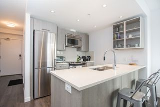 "Photo 7: 806 933 E HASTINGS Street in Vancouver: Strathcona Condo for sale in ""STRATHCONA VILLAGE"" (Vancouver East)  : MLS®# R2378429"