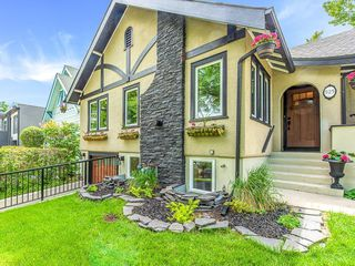 Photo 3: 525 SALEM Avenue SW in Calgary: Scarboro Detached for sale : MLS®# C4255093