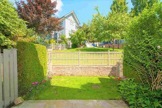 """Photo 19: 84 2200 PANORAMA Drive in Port Moody: Heritage Woods PM Townhouse for sale in """"QUEST"""" : MLS®# R2383077"""
