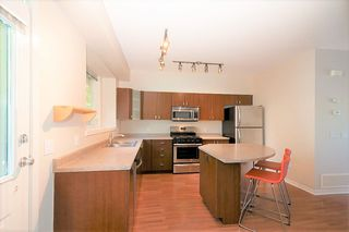 """Photo 11: 84 2200 PANORAMA Drive in Port Moody: Heritage Woods PM Townhouse for sale in """"QUEST"""" : MLS®# R2383077"""