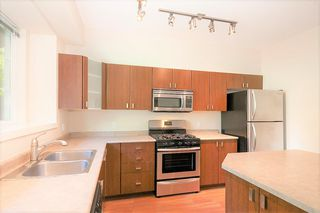 """Photo 13: 84 2200 PANORAMA Drive in Port Moody: Heritage Woods PM Townhouse for sale in """"QUEST"""" : MLS®# R2383077"""