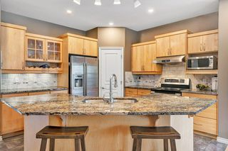 Photo 4: 6409 SANDIN Crescent in Edmonton: Zone 14 House for sale : MLS®# E4163775