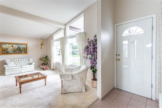 Photo 3: 9306 166 Street in Edmonton: Zone 22 House for sale : MLS®# E4168247