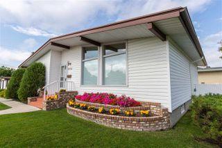 Photo 2: 9306 166 Street in Edmonton: Zone 22 House for sale : MLS®# E4168247
