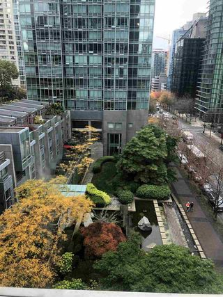 "Photo 5: 802 1200 W GEORGIA Street in Vancouver: West End VW Condo for sale in ""RESIDENCES ON GEORGIA"" (Vancouver West)  : MLS®# R2414862"
