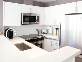 "Photo 11: 1313 989 NELSON Street in Vancouver: Downtown VW Condo for sale in ""ELECTRA"" (Vancouver West)  : MLS®# R2417714"