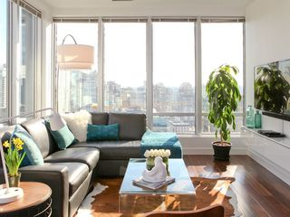 "Photo 5: 1313 989 NELSON Street in Vancouver: Downtown VW Condo for sale in ""ELECTRA"" (Vancouver West)  : MLS®# R2417714"